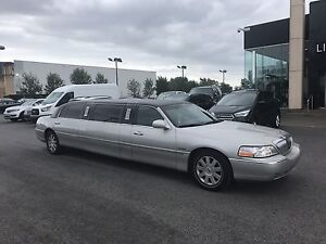Lincoln tow car limo