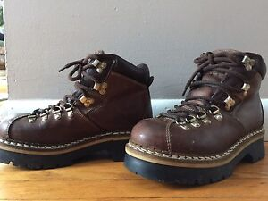 Brown leather Aldo ladies hiking boots