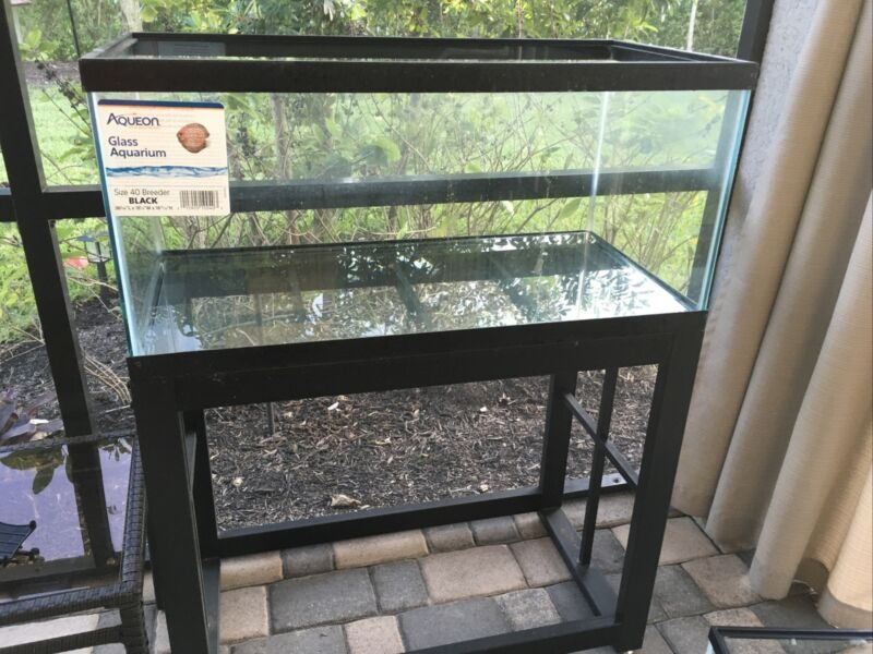 40 Gallon Breeder Fish Tank And Stand