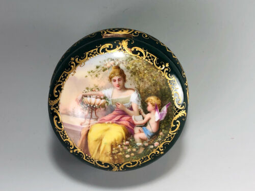 """ROYAL VIENNA SIGNED HAND PAINTED """"INTERESSANTE LECTURE"""" JEWELRY BOX"""