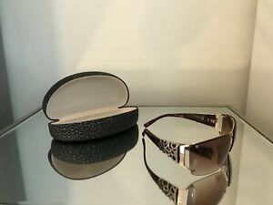 Women's sunglasses with case!