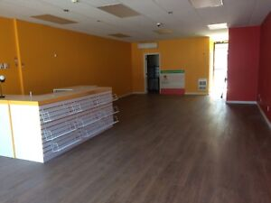 Commercial space for rent in Laval