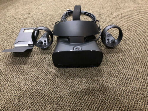 Oculus Rift S with Touch Controllers VR Gaming Headset Perfect Condition