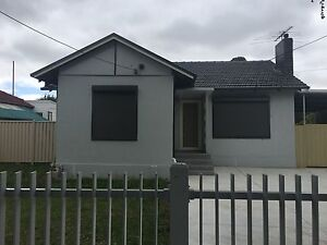 2 bedroom available for single boy or girl including all bills Braybrook Maribyrnong Area Preview