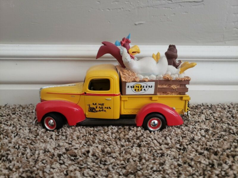 Warner Bros Looney Tunes 1940 Ford Pickup With Foghorn Leghorn & others.
