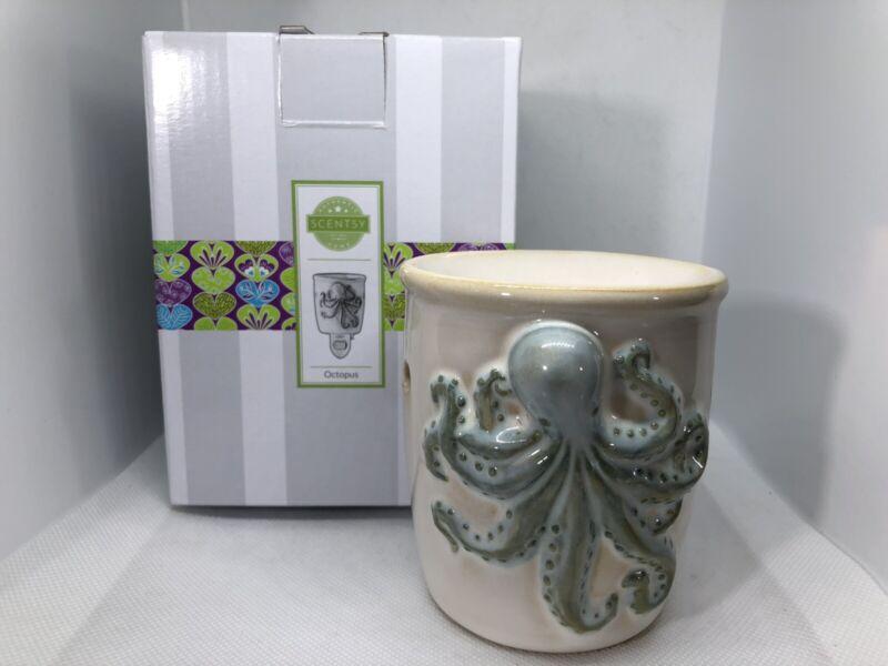 SCENTSY Mini Plug In Warmer OCTOPUS ~ Ceramic Nautical Nightlight With Box
