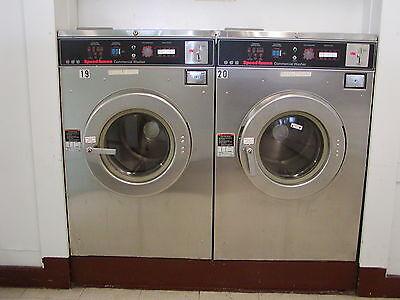 Laundromat Speedqueen 30lb Washer 3 Phase. Refurbished