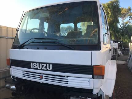 ISUZU FVM 1400 , BOGIE ,CAB CHASSIS, L W B , GOOD HONEST TRUCK Blair Athol Port Adelaide Area Preview