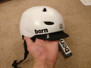 BRAND NEW Bern Brentwood Bicycle/Bike Helmet White L/XL
