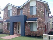 MODERN TOWN HOUSE, ONE WEEKS FREE RENT IF SIGNED BY THE END OF JU Wandal Rockhampton City Preview