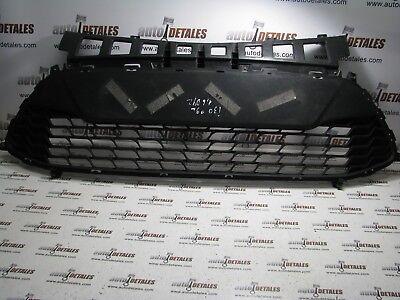 Hyundai i30 front bumper grill 86561 2R500 used 2009
