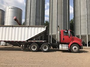 Truck and grain trailer