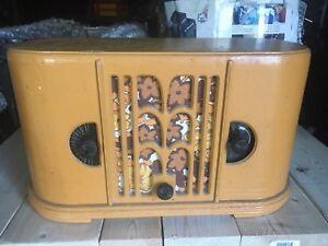 Vintage Rogers-majestic tube radio