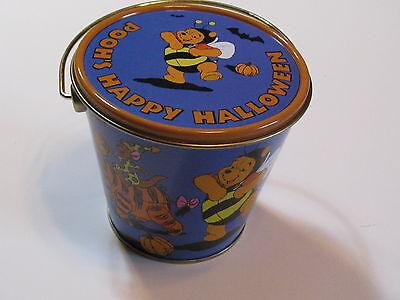 Disney Winnie The Pooh Halloween (Disney's Winnie the Pooh Characters - Collectible Halloween)
