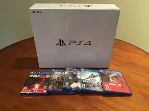 PS4 BUNDLE FOR SALE WITH 5 GAMES $340!