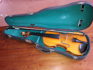 Lark violin approx 30 years old Tighes Hill Newcastle Area Preview