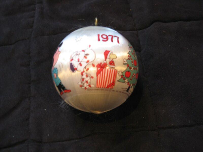 Vintage Peanuts 1977 Christmas Satin Ball Ornament Snoopy Charlie Brown
