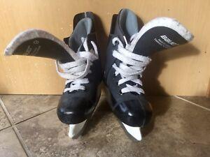 Boys Bauer hockey Ice Skates size 9