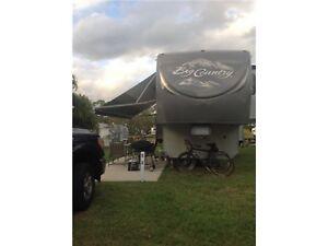 Caravane à sellette fifth wheel plus Camion GMC Sierra 3,500
