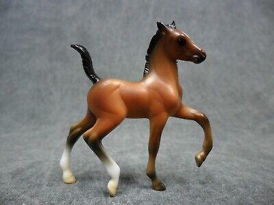 Breyer * Bay Trotting Foal * 6049 Stable Surprise Stablemate Model Horse j