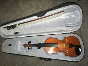Violin 1/4 Size with bow and case