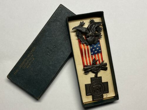 UNITED SPANISH WAR VETERAN MEDAL, #15840, JOESPH MAYER, BOXED, CONDITION IS VG+