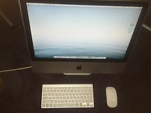 Apple iMac - Excellent Condition with wireless keyboard and mouse Castle Hill The Hills District Preview