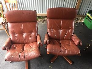 Bent wood swivel seats Cygnet Huon Valley Preview