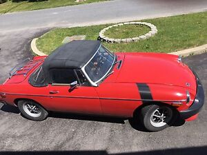 Voiture Convertible MGB 1980