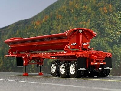 1/64 DCP RED SMITHCO TRI-AXLE SIDE DUMP TRAILER