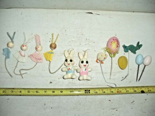 LOT OLD VINTAGE PLASTIC FELT FLOCKED PIPECLEANER EASTER DECORATIONS CHICKEN PEEP