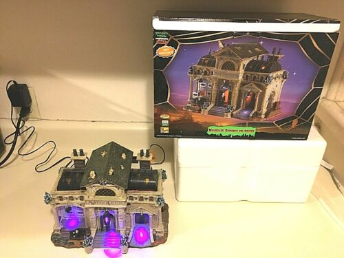 Lemax Spooky Town Rest In Pieces Mausoleum Retired Halloween. AS IS. Some issues