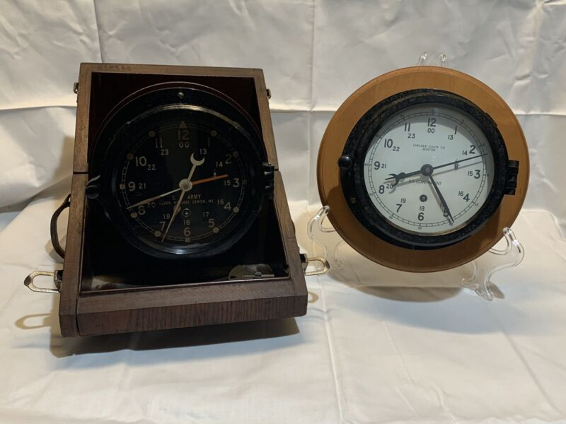 RARE VINTAGE CHELSEA CLOCK CO U.S. GOVERNMENT & ARMY WOOD BOX W/ KEY LOT WORKING