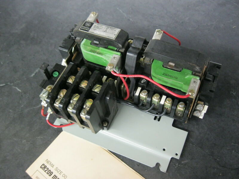 GE General Electric CR209A1 3 pole Size 00 Reversing Motor Starter w/ 230v coils
