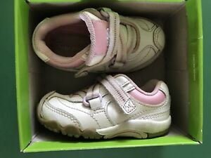 Stride rite leather sneakers size 4.5