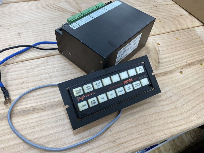 D&R Electronics RDS16S Siren And Light Controller