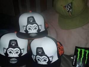 3 caps.Call of Duty Black Ops 4 Clang Clang Bang!! Snapback CAPs ... d7edbef8ed85
