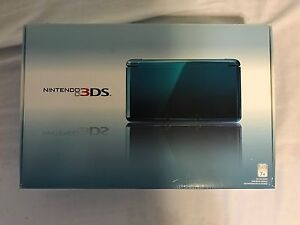 Nintendo 3DS + Box + Games