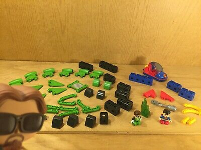 Fisher Price TRIO blocks SUPERMAN & SPACE SLED & GREEN LANTERN ROCKET