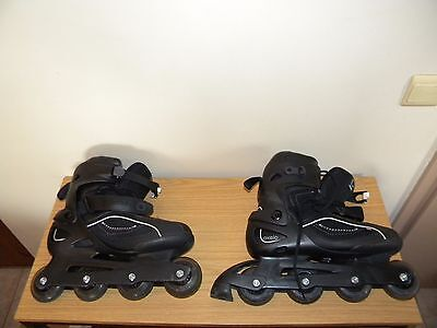 Occasion, ROLLERS OXELO DECATHLON POINTURE 44 + 8 PROTECTIONS + CASQUE d'occasion  Uccle