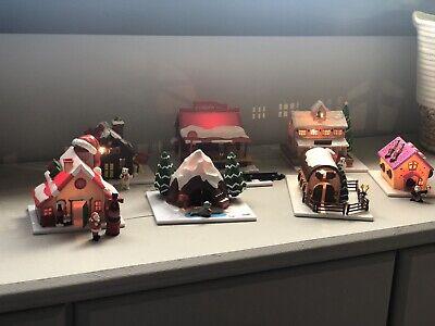 Aldea Coca-Cola Mexican Christmas Houses And Train Set/ Casitas Navideñas Y Tren