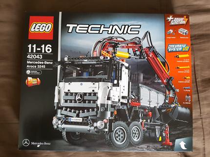 LEGO Technic: Mercedes-Benz Arocs 3245 - 42043 Brand New Sealed