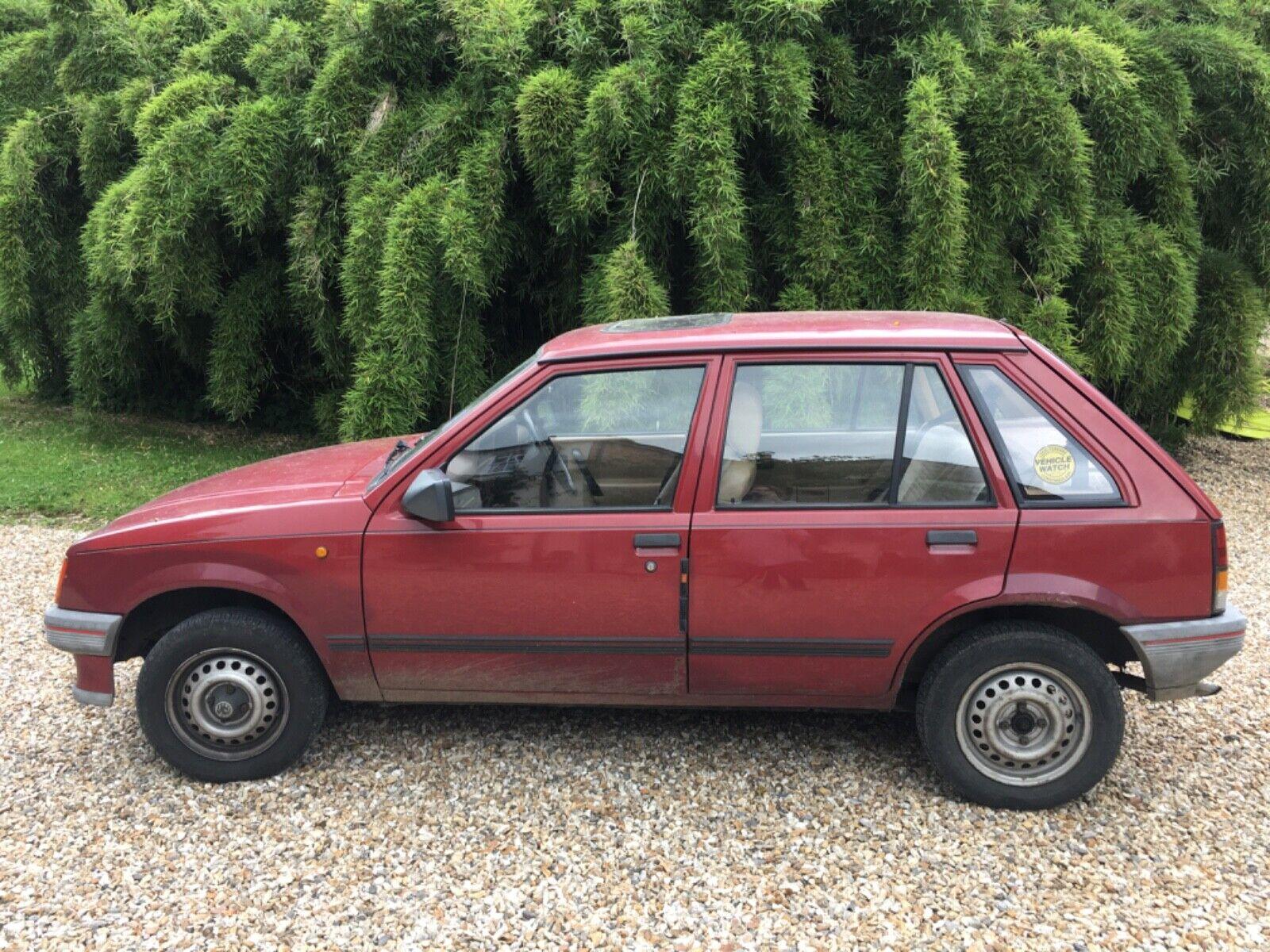 Vauxhall-Nova-Merit-12L-1989