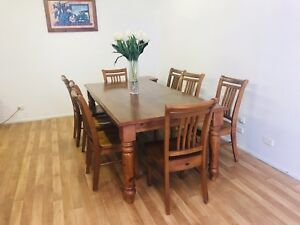 Dining table and 8 chairs (Delivery)
