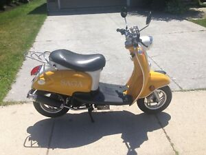 2014 SAGA gas scooter. 50cc 4stroke