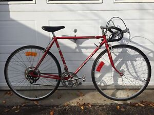54 cm peugeot made in France pneus Neuf mise au point