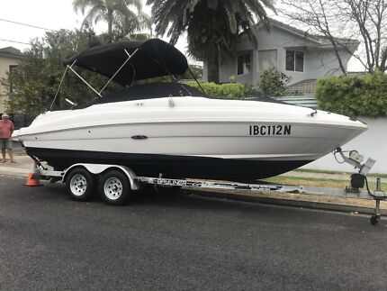 Sea Ray Sundeck 220 Boat and Trailer Bowrider Bow rider
