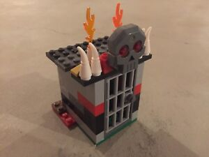 Custom lego building (dungeon, cave, jail)