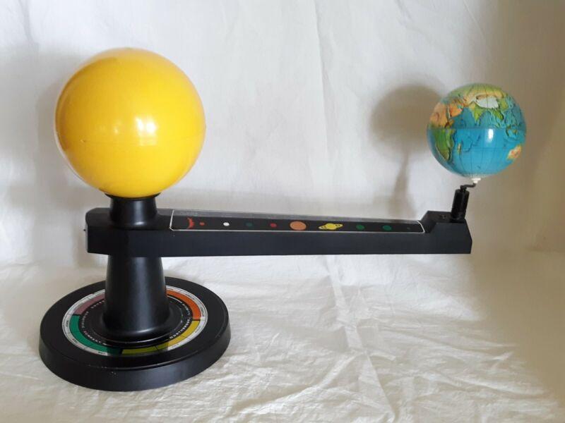 Vintage Hubbard Scientific Company Northbrook IL Sun Earth Model