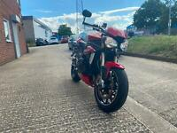 TRIUMPH STREET TRIPLE IN RED *6 MONTHS WARRANTY* ONLY 5091 MILES